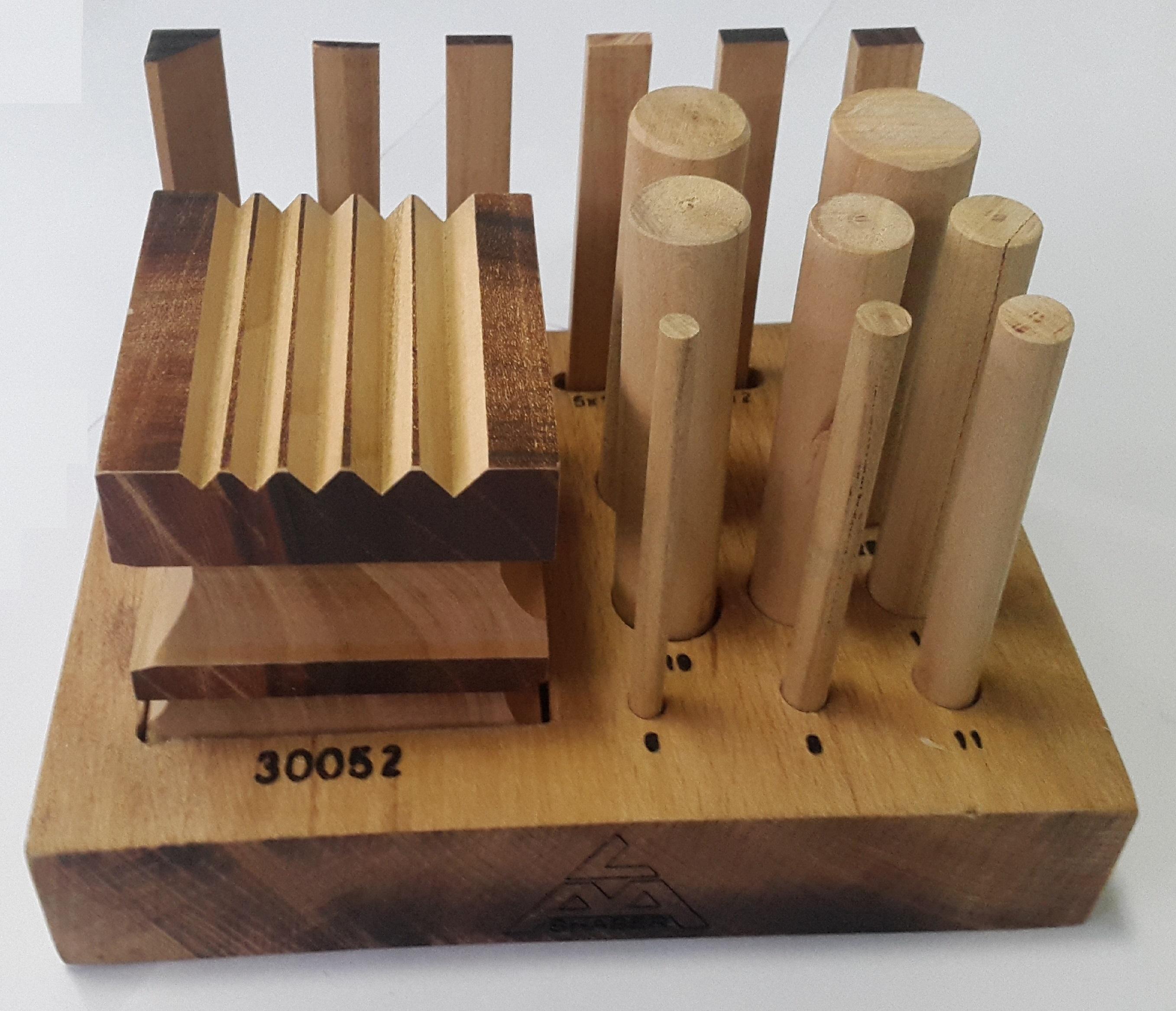 Дизайн куб с пунзелями деревянная